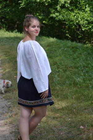 Ie Alba din Borangic-Nina