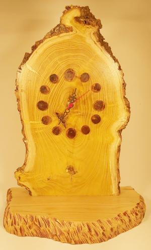 202 Ceas lemn de dud