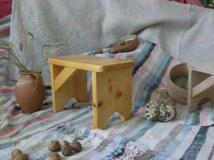 Scăunel lemn