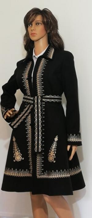 Pardesiu dama brodata traditional