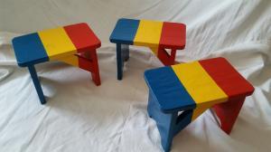Scăunele tricolore