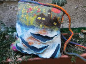 Poseta din lana romaneasca, impaslita manual