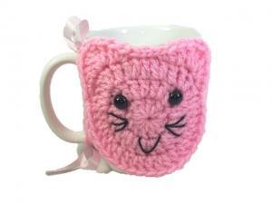 Cana cu hainuta crosetata pisica, roz, 300ml