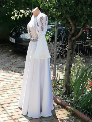 Costumatie traditionala pentru nunti si evenimente