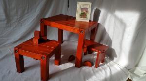 Set măsuțe și scăunel-culoare cireș